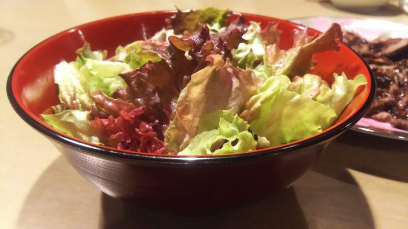 サラダを盛り付けても美味しそうなラーメン鉢♪
