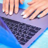 webデザイナーを選ぶ時は、コミュニケーション能力も重視しましょう。